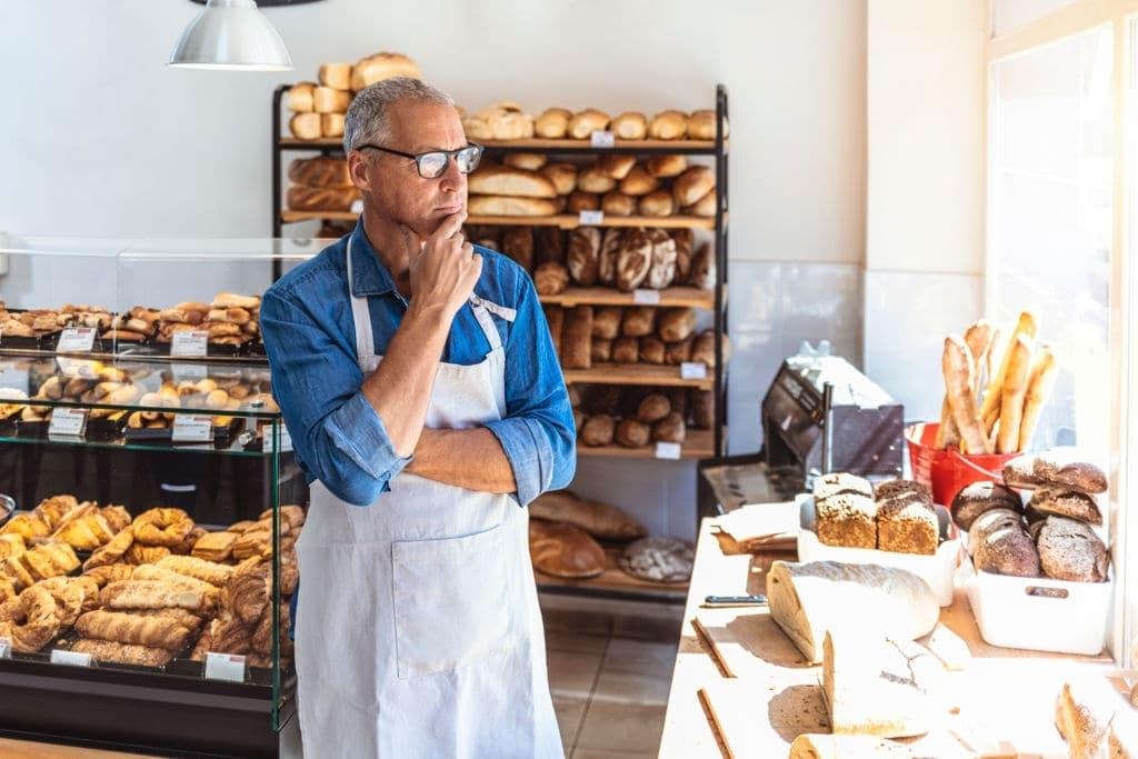 Propietario de una panadería preguntándose cómo solucionar un error de tarjeta 190